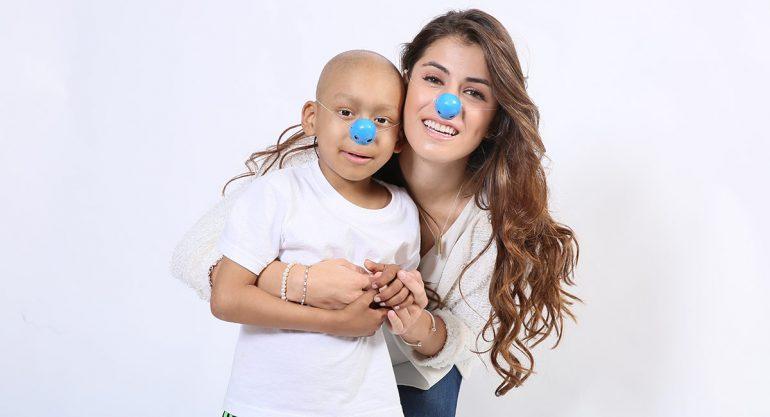 10 famosos que regalaron una sonrisa a niños enfermos