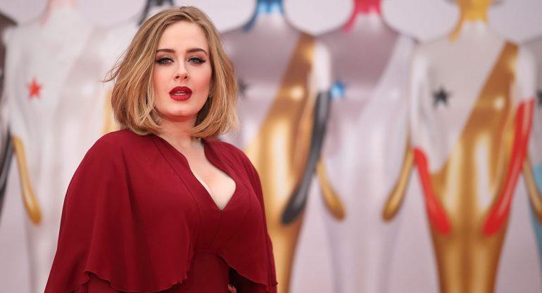Adele falla con su outfit para los Brit Awards 2016