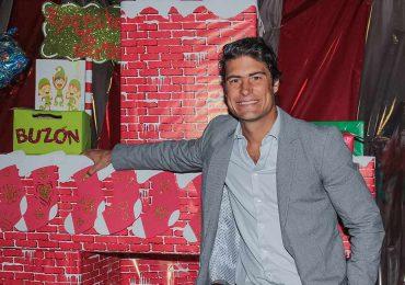Alex Sirvent participa en la entrega anual de juguetes de Sport City