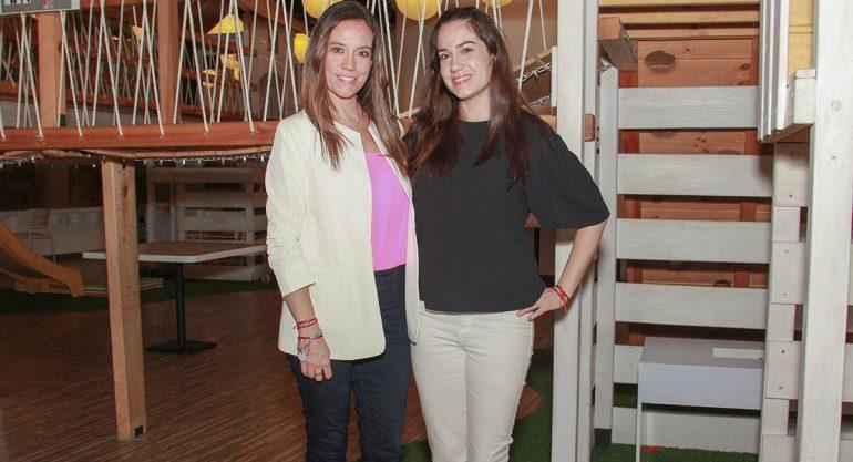 Ana Paula y Gabriela Gordillo en el lanzamiento de Mentita