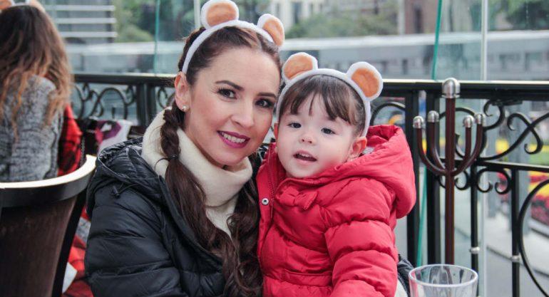 Andrea Torre y su hija disfrutaron del 'Bolo Fest'