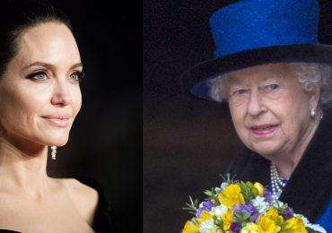 Angelina Jolie alaba a Isabel II
