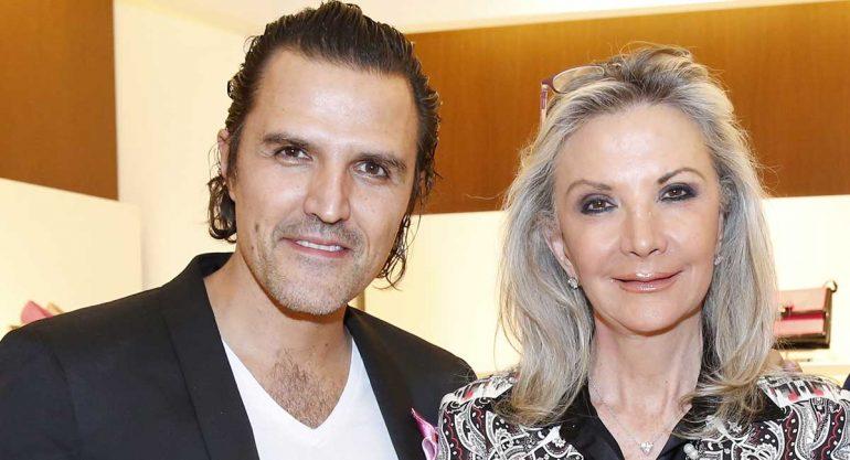 Billy Rovzar y Gina Diez Barroso en la presentación de Ferragamo