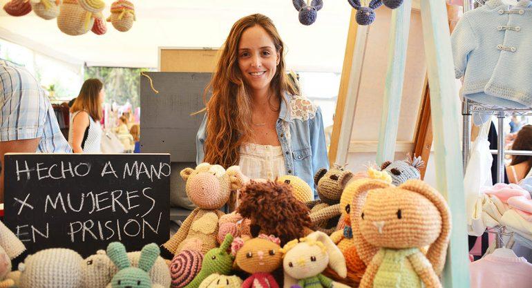 Daniela Ancira en el Bazar Ayuda