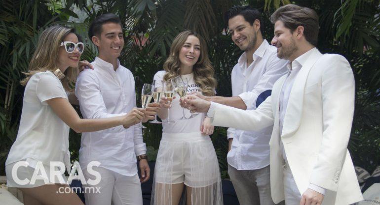 El grupo de amigos más In se alista para Le Dîner en Blanc