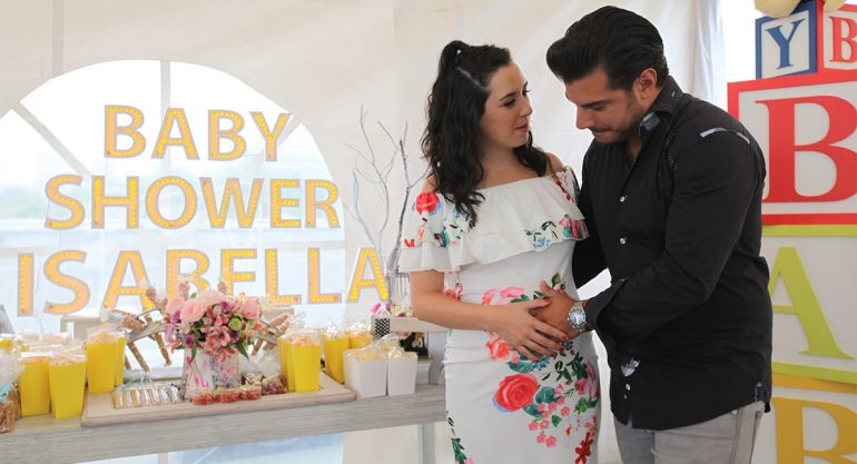 Fátima Torre y Héctor Salazar celebran su baby shower