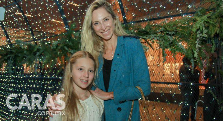 Francoise y Sienna en el encendido del árbol de Navidad del Palacio de Hierro