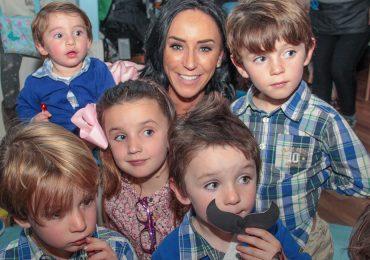 Inés Gómez Mont y su familia en la fiesta del hijo de Ale Oates