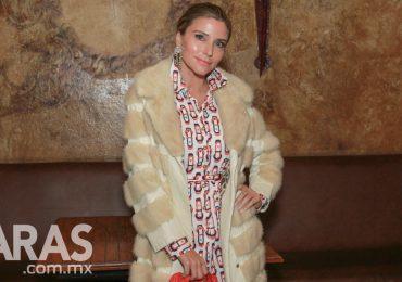 Issabela Camil en la la fiesta estilo 70's de Sergio Mayer