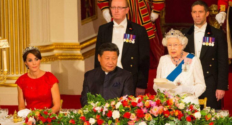 Kate Middleton resplandece en su primera cena de Estado