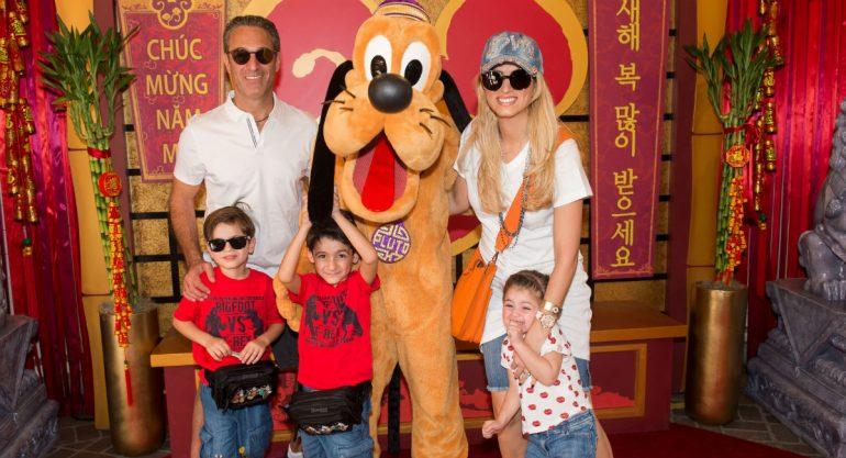 La familia Slim Torruco de vacaciones en Disneyland