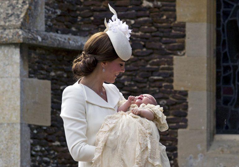 La razón por la que Kate Middleton no viste a la princesa Charlotte con vestidos