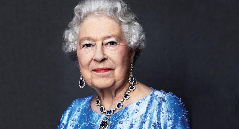La reina Isabel celebra Jubileo de Zafiro por sus 65 años en el trono