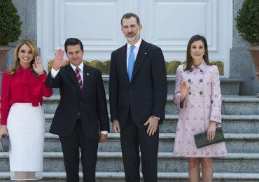 Los Reyes de España reciben a Enrique Peña Nieto y Angélica Rivera