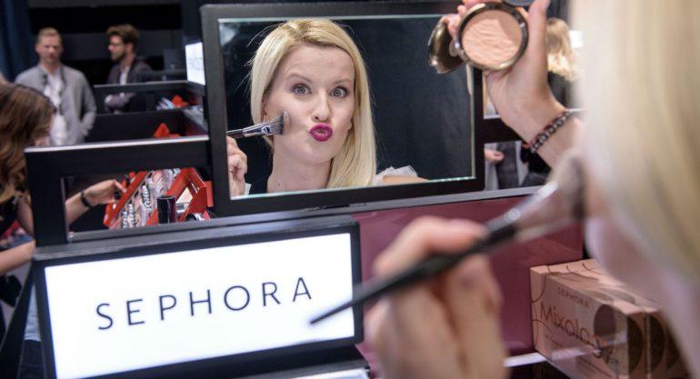 Mujer demandan a Sephora por contagiarla de herpes