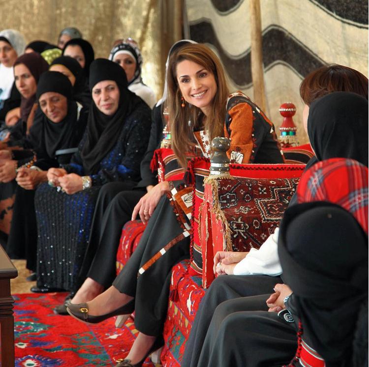 No podemos fallarle a estas personas: Rania de Jordania sobre refugiados sirios