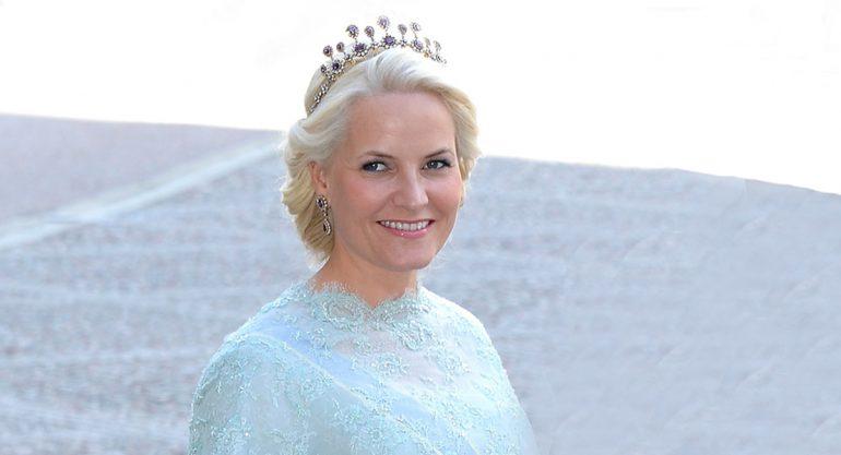 Princesa de Noruega pide dejar en paz a su hijo