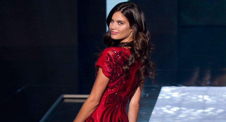 Sara Sampaio conquista el Fashion Fest 2016