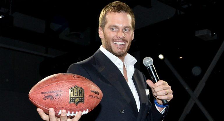 Tom Brady continuará jugando el próximo año