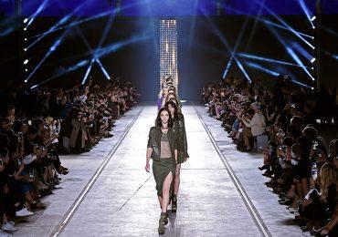 Versace no participará en los desfiles de Haute Couture en París