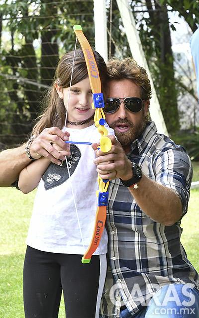 Gabriel Soto y su hija Elisa