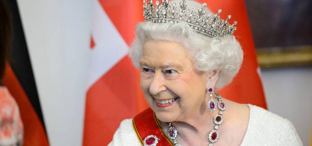 reina isabel II cumpleaños 94 monarquía