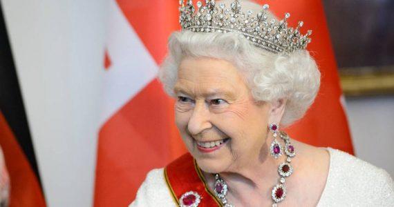 reina isabel II cumpleaños 94