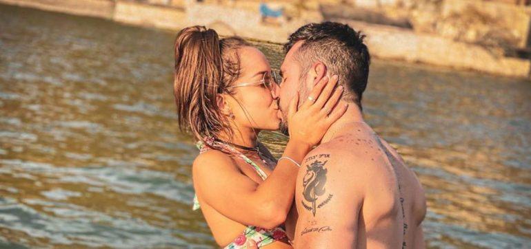 José Ron besando a su novia jessica diaz