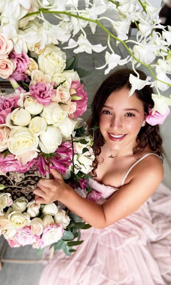 La hija de Andrea Legarreta celebra sus XV años