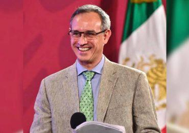 López Gatell se sonroja ante pregunta de mujer