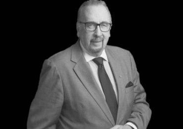 Muere Frank Devlyn