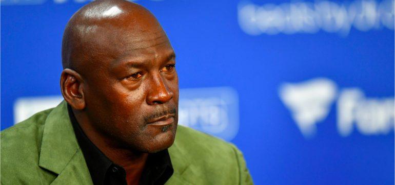 Michael Jordan donara 100 millones dolares combatir racismo