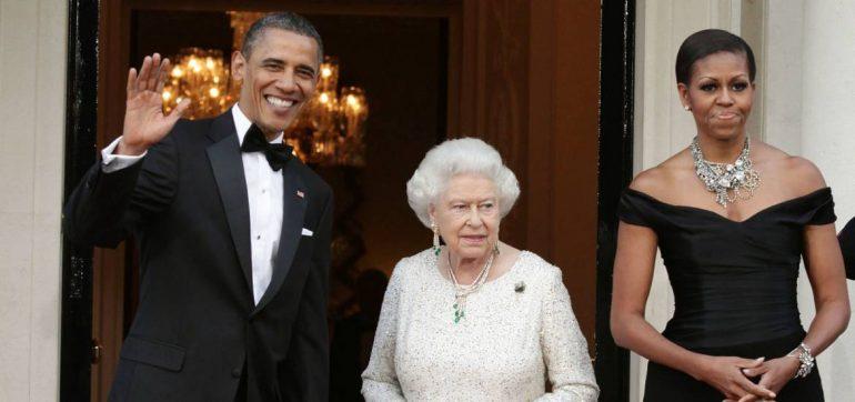 la reina isabel lloró con un regalo de Obama