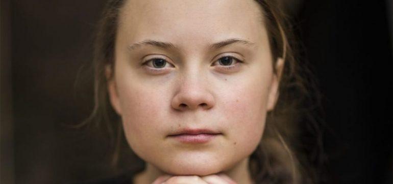 Foto se cree Greta Thunberg viajera tiempo