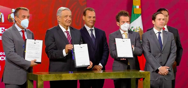 Emilio Azcárraga firma acuerdo historico