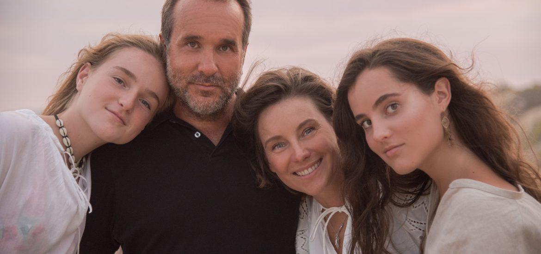 ¡Dominika Paleta y Fabián Ibarra se escaparon con sus hijas a las paradisiacas playas de Los Cabos! La familia completa disfrutó del buen clima, el sol, la arena y el mar.