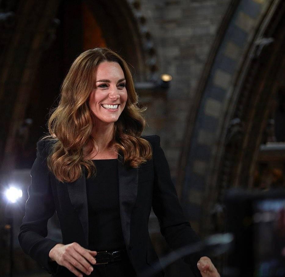 Kate Middleton total black look