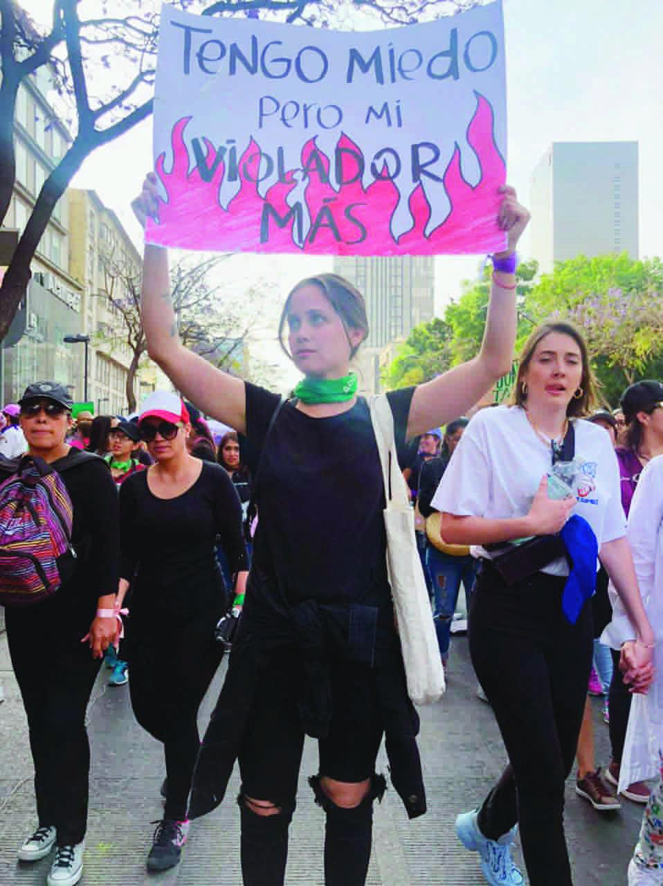 Natasha Dupeyron marcha feminista