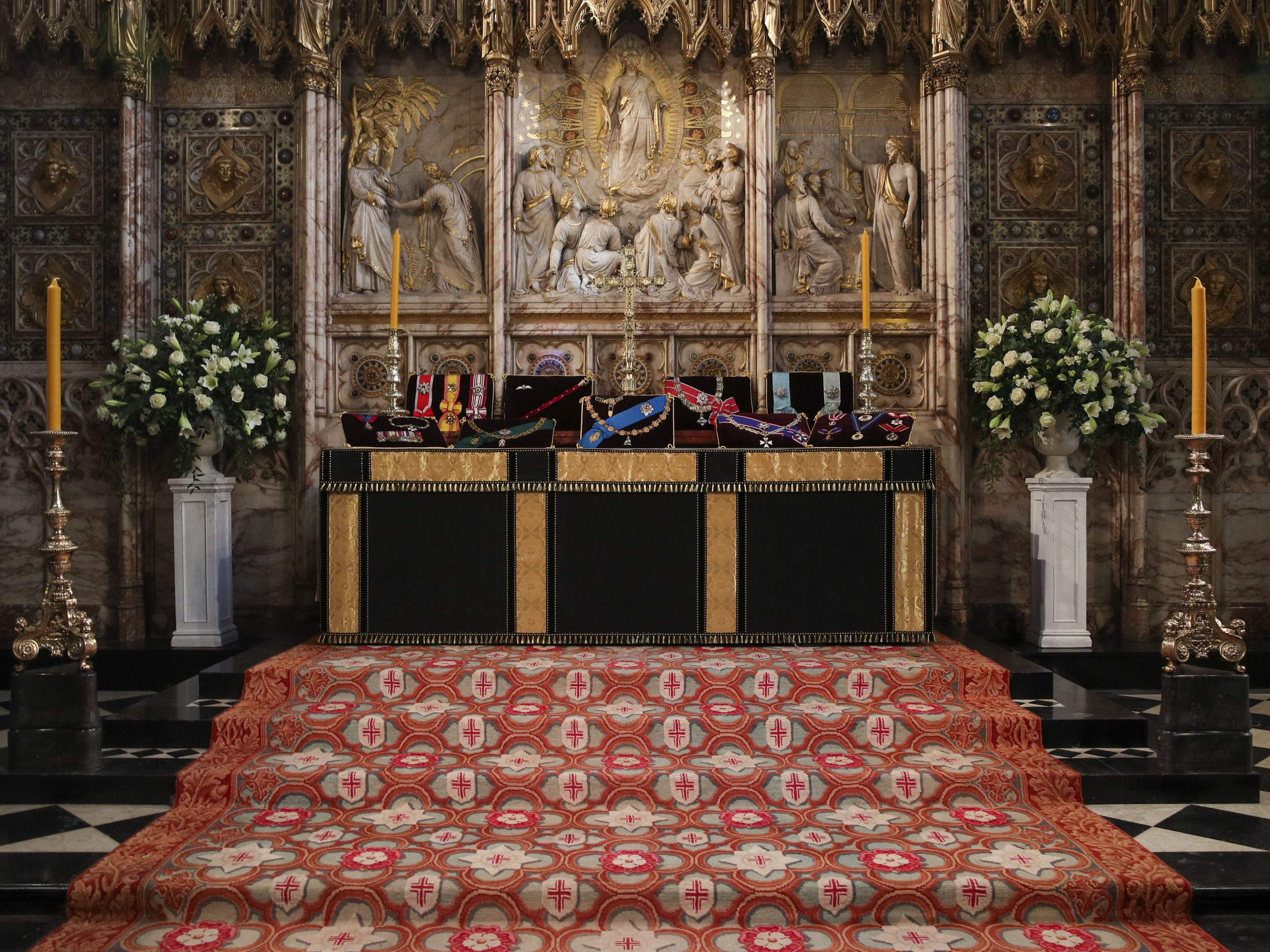 Funeral Felipe de Edimburgo Insignias San Jorge