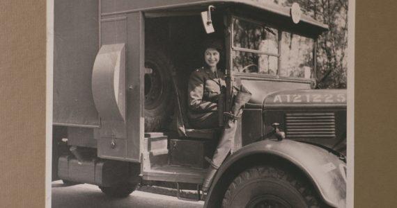 Reina Isabel II Segunda Guerra Mundial fotografía