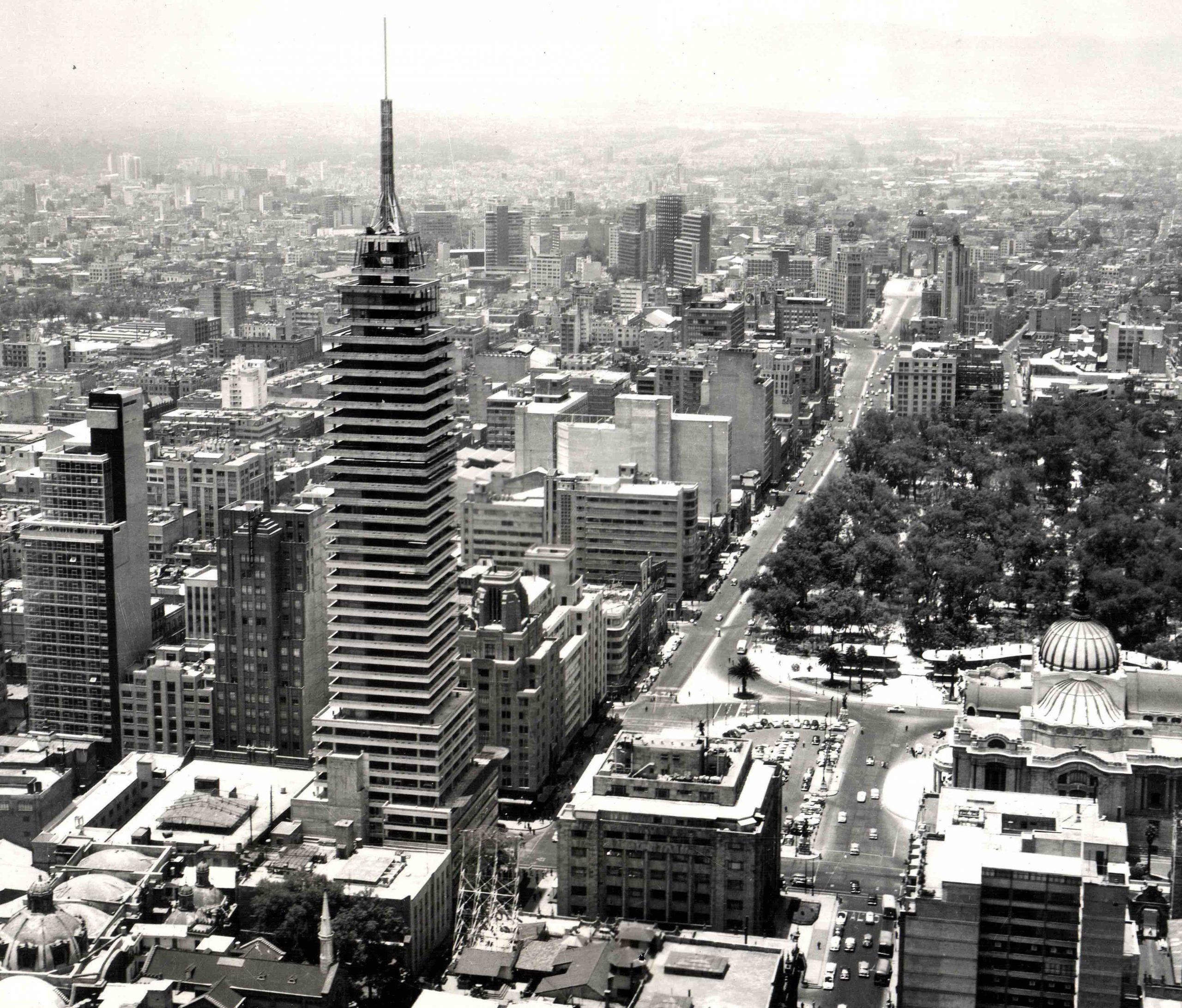 Torre Latinoamericana en construcción