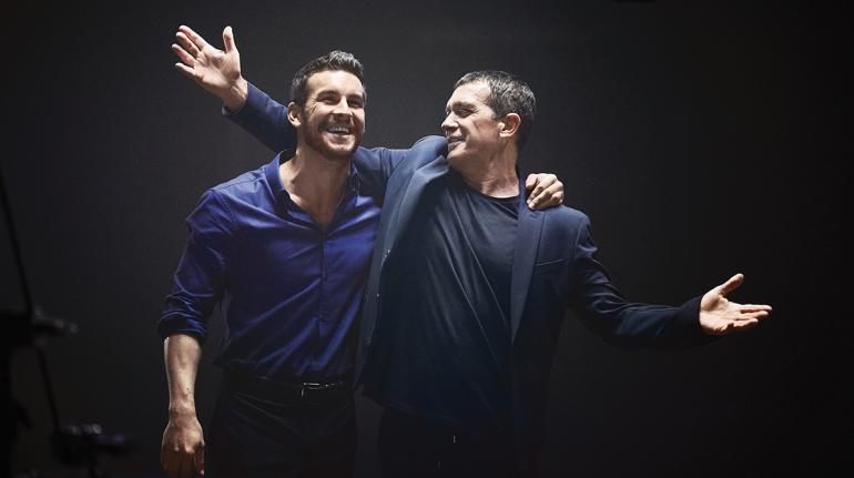 Antonio Banderas y Mario Casas