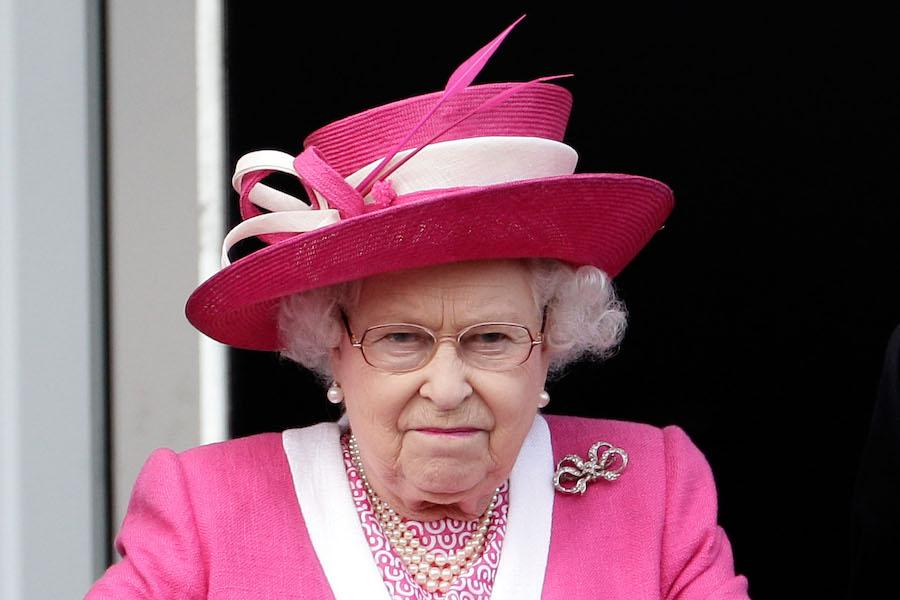 Cuánto cobra la reina Isabel II