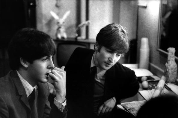 paul mccartney y john lennon the beatles