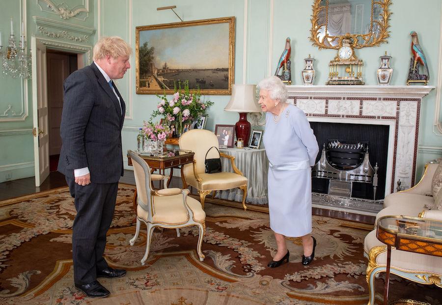 Relación entre reina Harry Meghan Fotos