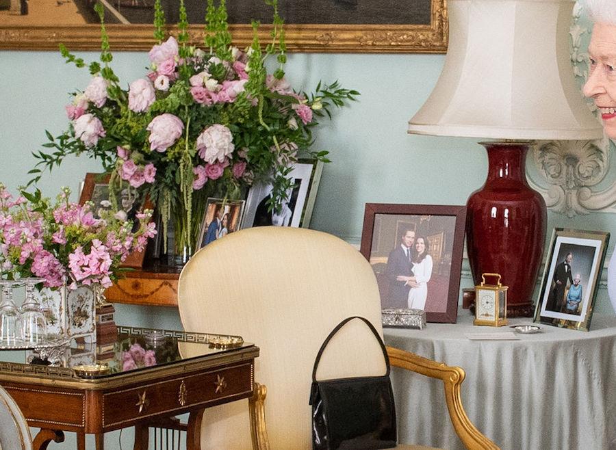 Relación entre reina Harry Meghan Fotos detalle