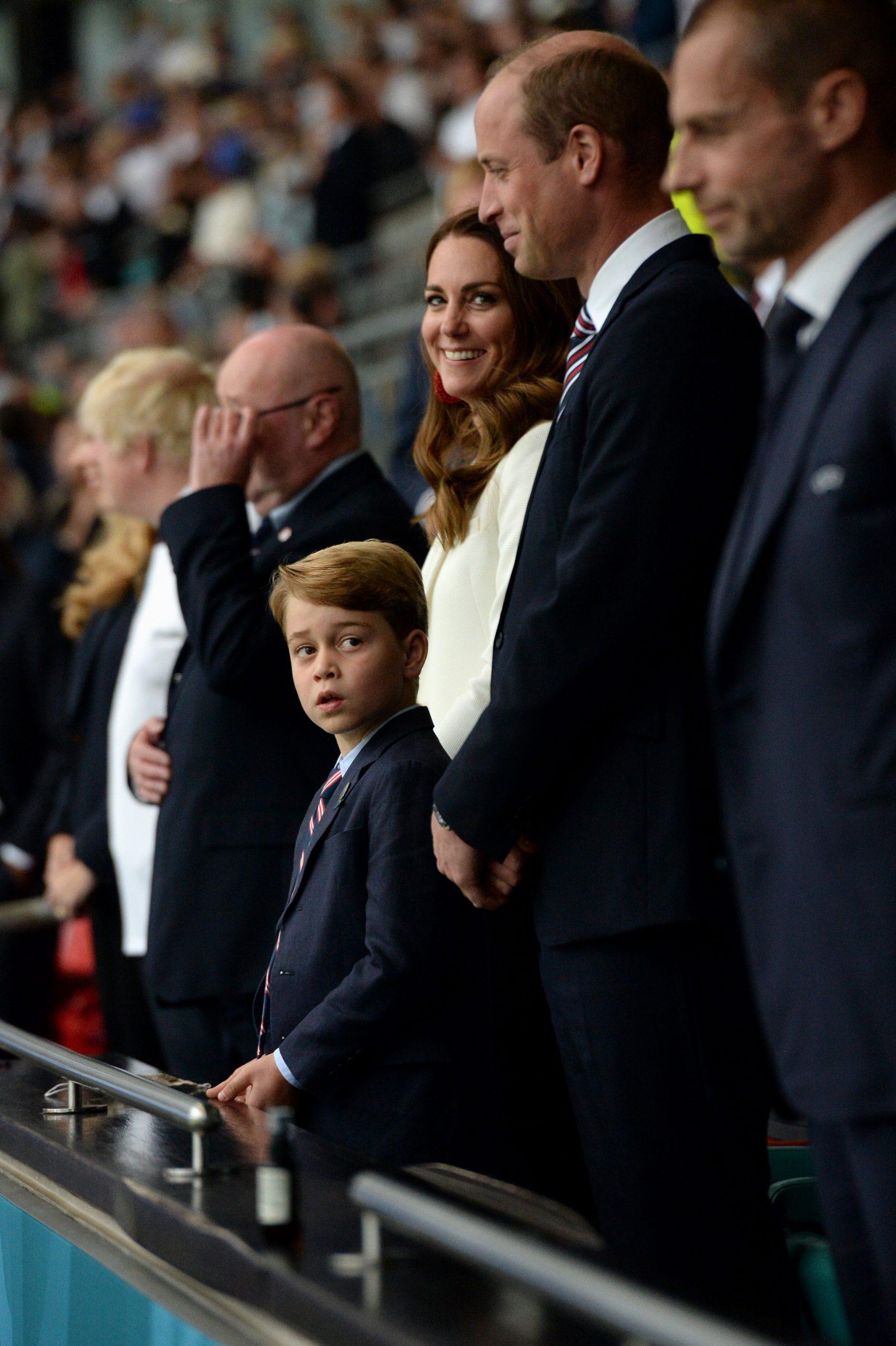 El príncipe William rechaza los comentarios racistas