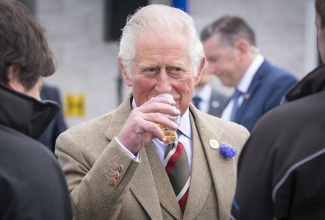 bebida predilecta del príncipe Carlos