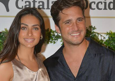 Diego Boneta y Renata Notni