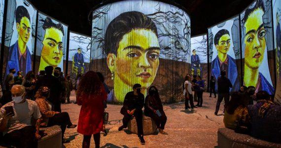 Familia Frida Kahlo experiencia inmersiva